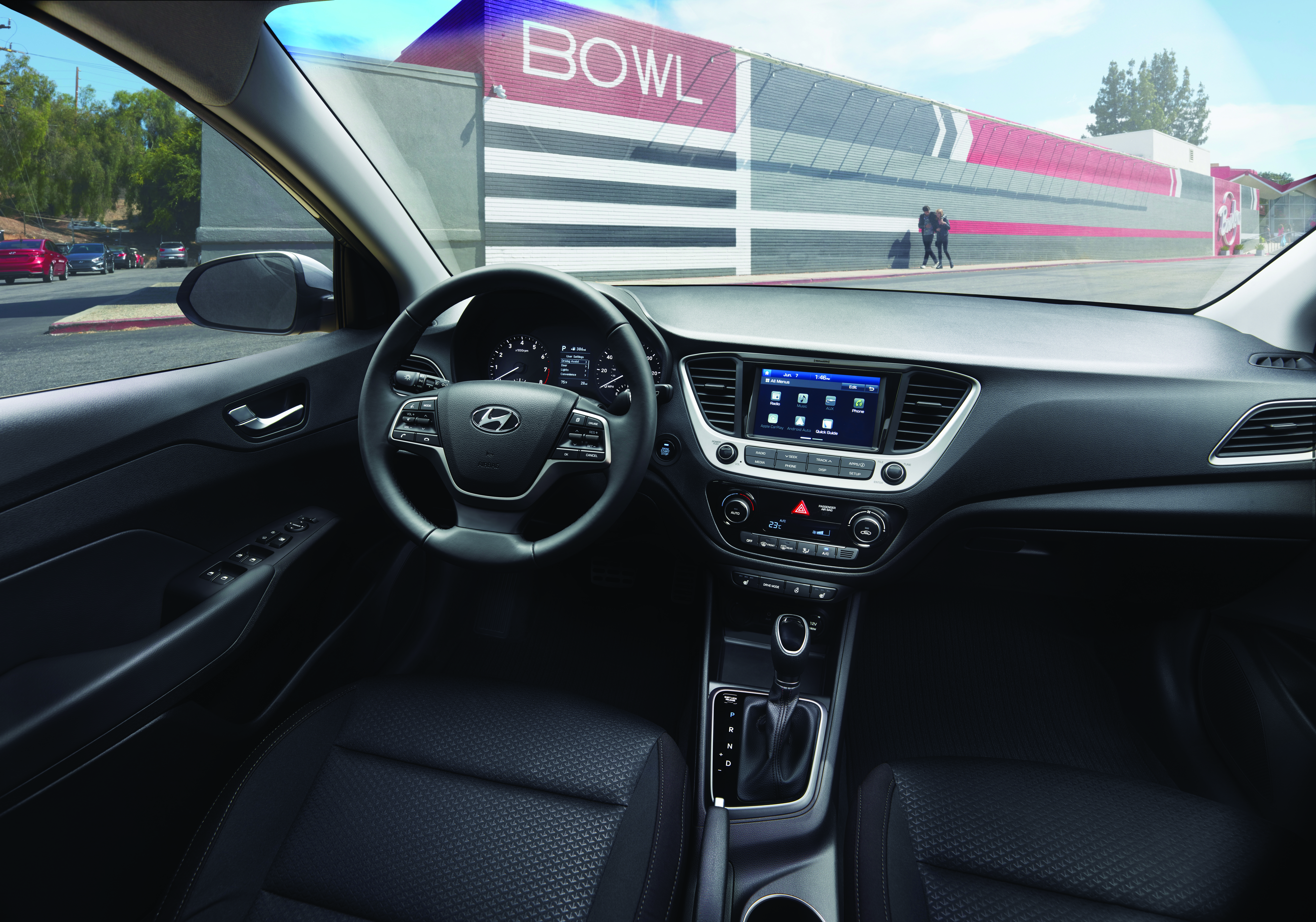 2018_accent_interior_parked_in_front_of_store_(1)_1