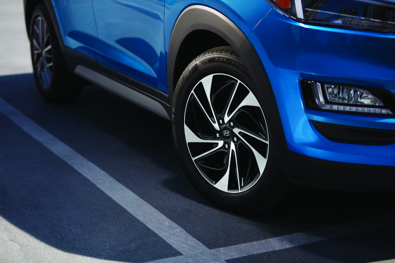 2019_tucson_feature_smart_19in_alloy_4c_m_thumb